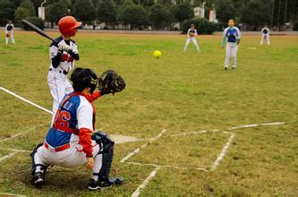 还早在2008年就与上海职业水平排球v职业培养高学院运动队(体育,垒球队棒球二持球图片